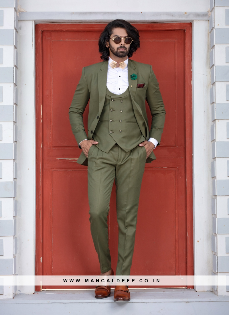 Contemporary Green Buttoned Suit Set