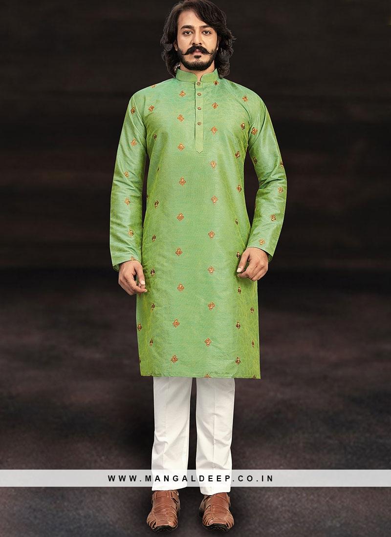 Fashionable Green Kurta Set