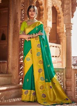 Green Color Classic Saree In Silk
