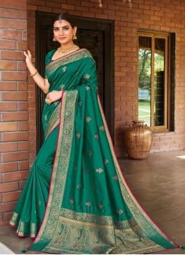 Green Color Silk Dazzling Saree