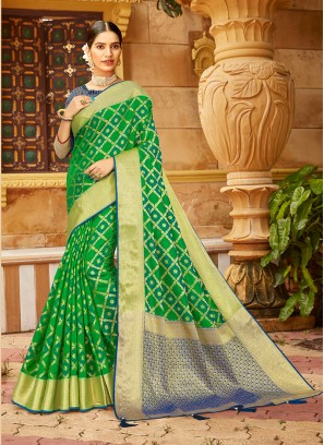Green Color Silk New Style Saree
