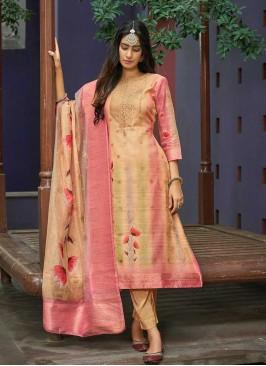 Peach Color Ladies Salwar Kameez