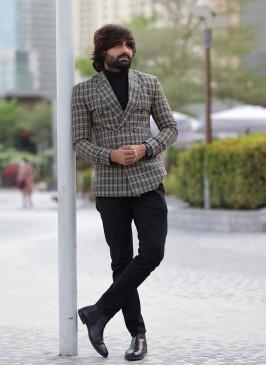 Tailor Fitted Beige Blazer